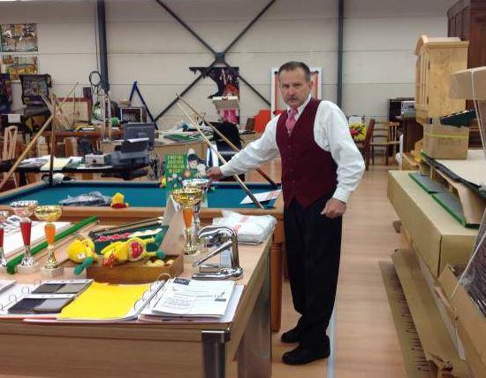 Monsieur Couchon dans son magasin du Grand Dépôt