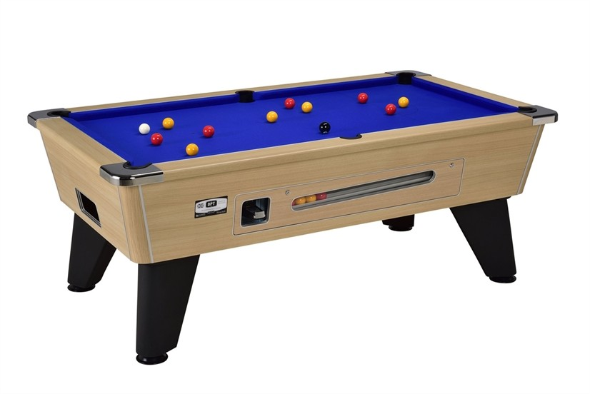 Tables de billard, baby-foot et flippers à la boutique du ...